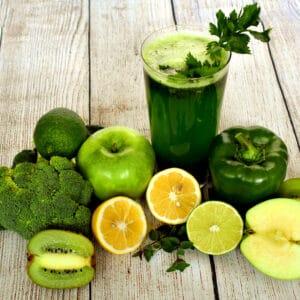 Healthy diets can help treat diabetes symptoms.